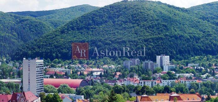 Reality Hľadám pre klienta 3-izbový byt Banská Bystrica, Národná ul.