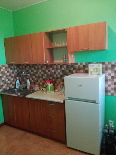 Reality Pekný 2-izbový byt pri Lučenci