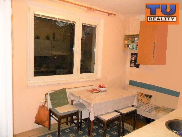 Reality Byt 3-izbový s lodžiou, sídl. III, Bajkalská, 3. posch., 74 m2. CENA: 83 000,00 EUR