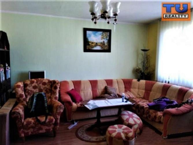 Reality 3+1 byt s lodžiou, 72 m2, čiastočná rekonštrukcia, Vihorlatská ul., Sekčov. CENA: 78 000,00 E