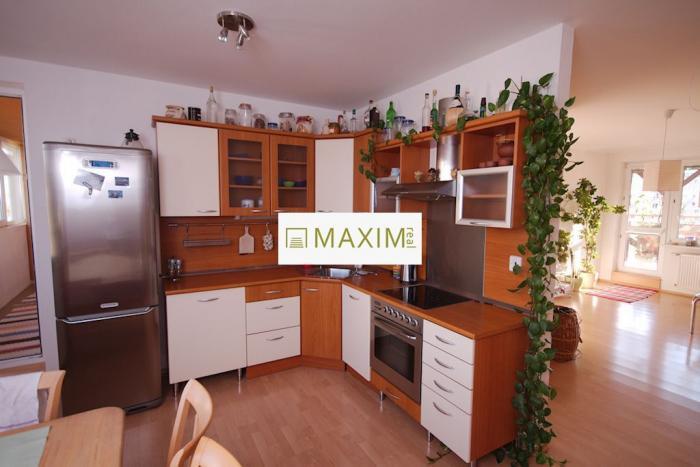 Reality Krásny 3-izbový byt s terasou a balkónom na Nejedlého ulici, Bratislava Dúbravka