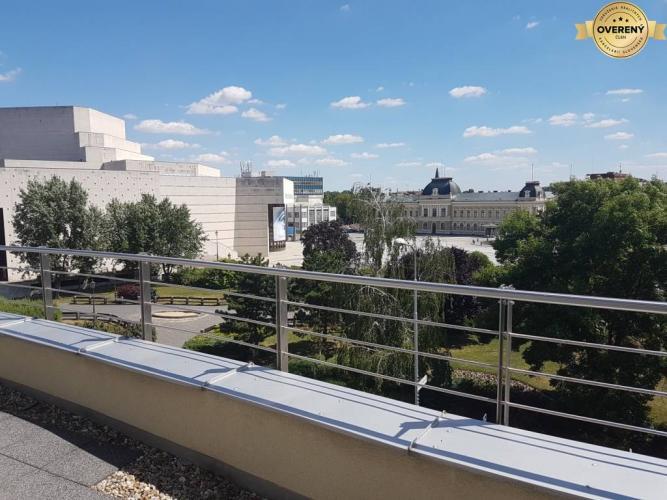 Reality PRENÁJOM -2 izbový byt v centre s terasou a parkovacím miestom - Nitra