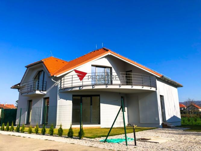 Reality Nový 4 izbový byt s vlastným pozemkom v Záhorskej Bystrici