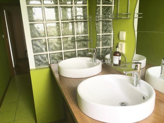 Reality COMFORT LIVING ponúka - Kompletne zrekonštruovaný 2,5 izbový byt na Čilížskej ulici
