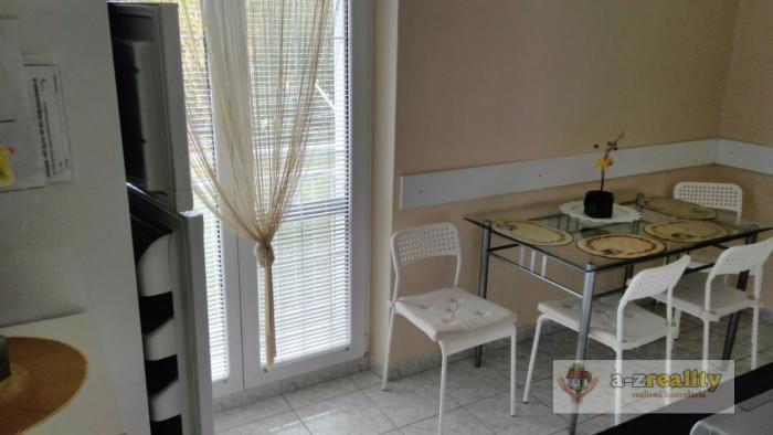 Reality 2633 Na predaj 3-izb.byt v obci Podhájska