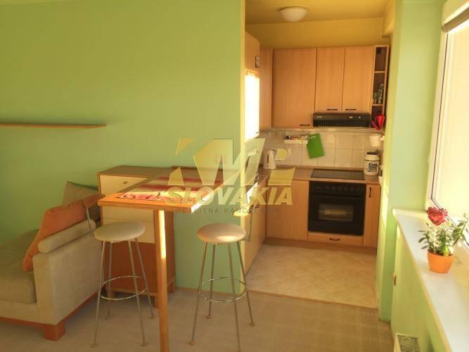 Reality Na prenájom svetlý, tichý 2 izbový byt, BA IV - Devínska Nová Ves
