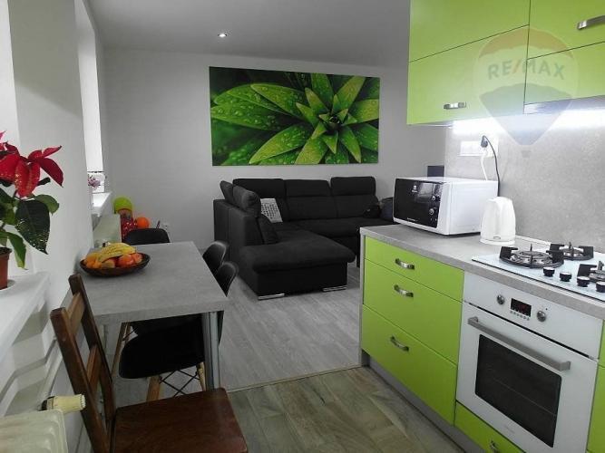 Reality PREDAJ - 2- izb. byt rekonštrukcia - lokalita centrum Prievidza!