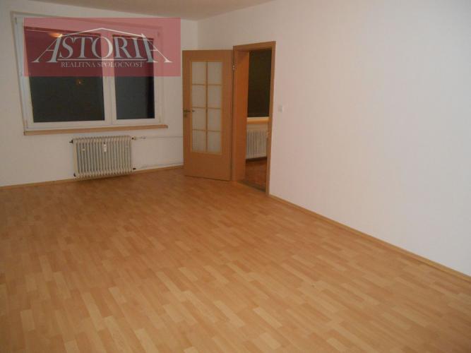 Reality Na predaj 2 - izbový byt Martin - Priekopa