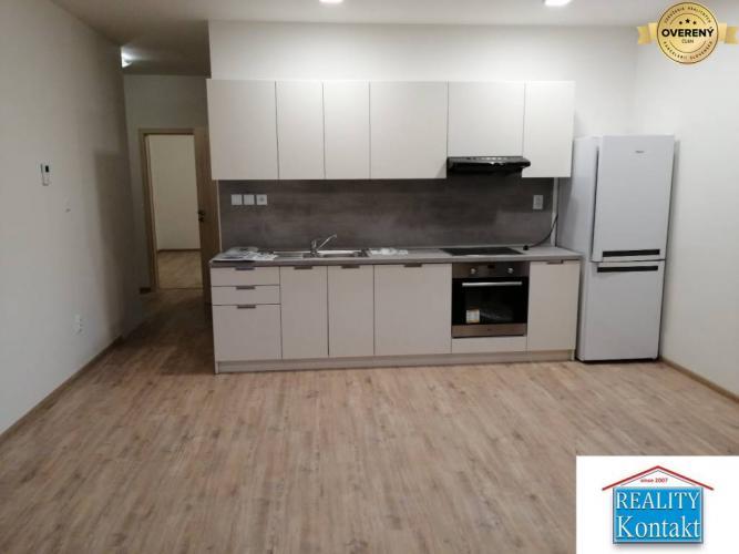 Reality Ponúkame na prenájom 2-izbový byt v Nových Zámkoch