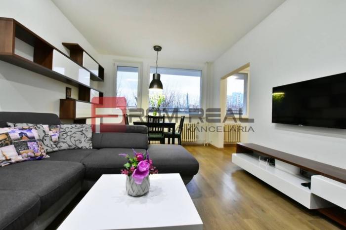 Reality PRENÁJOM 3 izbového bytu  s balkónom v Bratislave Karlova Ves