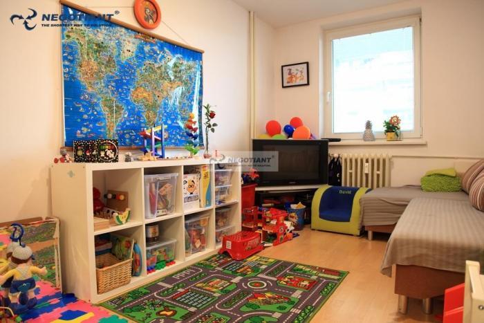 Reality Na prenájom krásny veľkometrážny 3 izbový byt na ulici M. Schneidera - Trnavského v mestskej