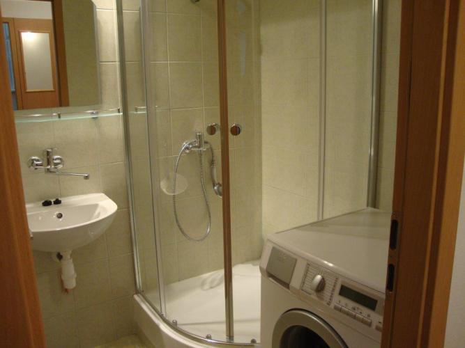 Reality Ponúkame na prenájom 3 izb. byt na Fadruszovej ul. , tichá lokalita,