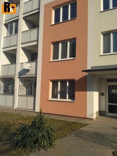 Reality Reality holding+ ponúka Trenčín Sihoť Hodžova 3 izbový byt na predaj - zrekonštruovaný