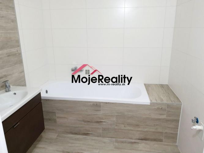 Reality Krásny podkrovný 3+1 izb. byt- nová rekonštr. –Trenčín/JUH