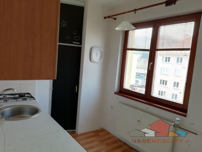 Reality Predaj 2 izbového bytu v Považskej Bystrici
