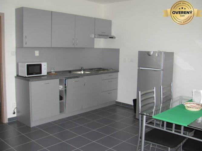 Reality PRENÁJOM - 2-izbový byt s parkovacím miestom - Nitra, Centrum