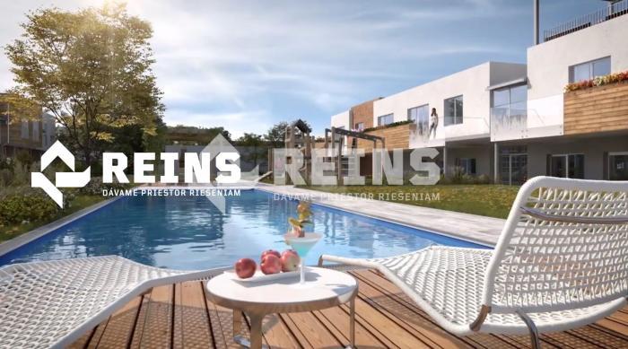 Reality Krásny 4izb byt, úžitková plocha 158 m², 2x kúpeľňa, šatník, balkón cez celý byt a veľk