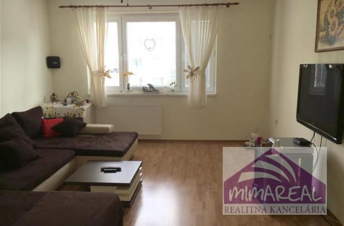 Reality 3i moderne zariadený a zrekonštruovaný byt na Krásnohorskej ul., voľný 19.03.- prípadne dohod