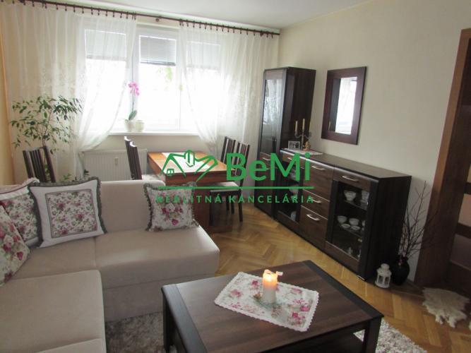 Reality Predáme 2 izbový zrekonštruovaný byt - Zlaté Moravce (737-112-AFI)