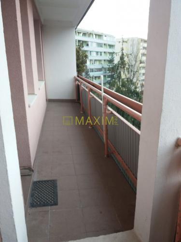 Reality Pekný 4i byt s veľkou loggiou na Adámiho ulici