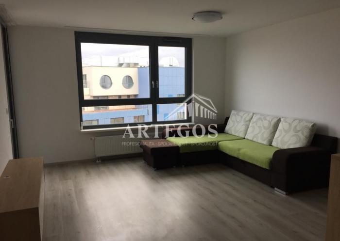 Reality Priestranný klimatizovaný 2 izbový byt v novostavbe