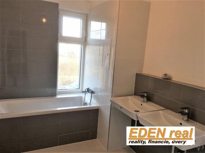 Reality Znížená cena na 6 dní! Novostavba priestranného 4-izbového bytu, 2x loggia,v cene 2xparking