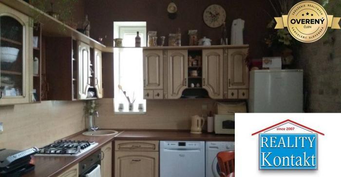 Reality Predám 2 izbový tehlový byt, Komenského ulica