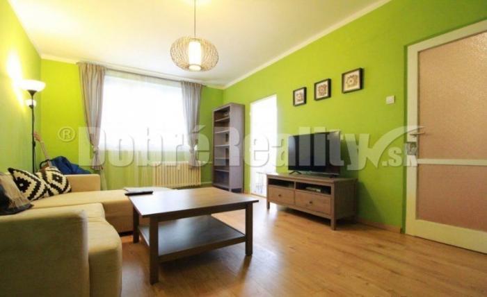 Reality zariadený 2-izbový byt s balkónom - Ružinov BA