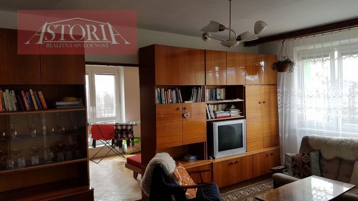 Reality 3-izbový byt s balkónom neďaleko centra Lipt. Mikuláša