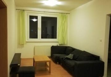 Reality 3.-izb. byt- zariadený, na Smolenickej ulici, Petržalka