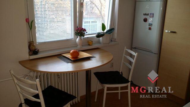 Reality 1-izbový byt na predaj-centrum Prievidze