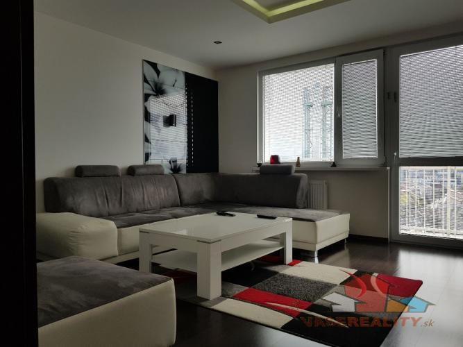 Reality Luxusný 3 izbový byt v Trenčíne