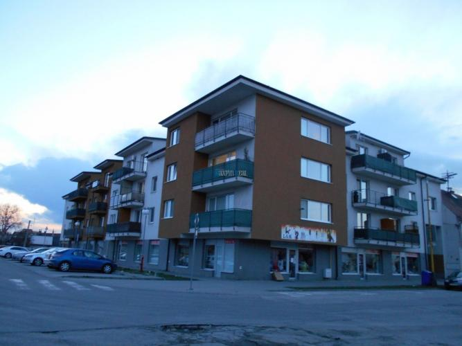 Reality Maxfinreal ponúka 2-izbový byt Šaštín-Stráže priamo na námestí
