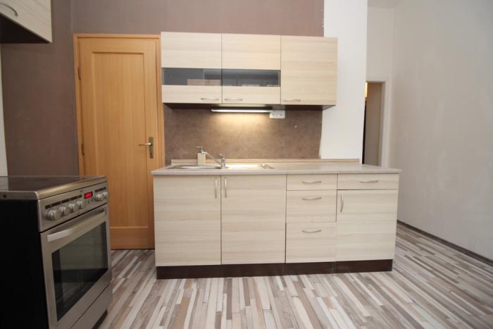 Reality 2-izb.komplet zariadený byt na Palisádoch, dve samostatné spálne + kuchyňa