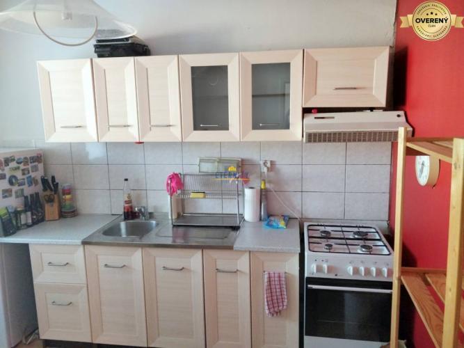 Reality Pekný 3i byt, zariadený, loggia, blízko Draždiak, Lietavská, Petržalka