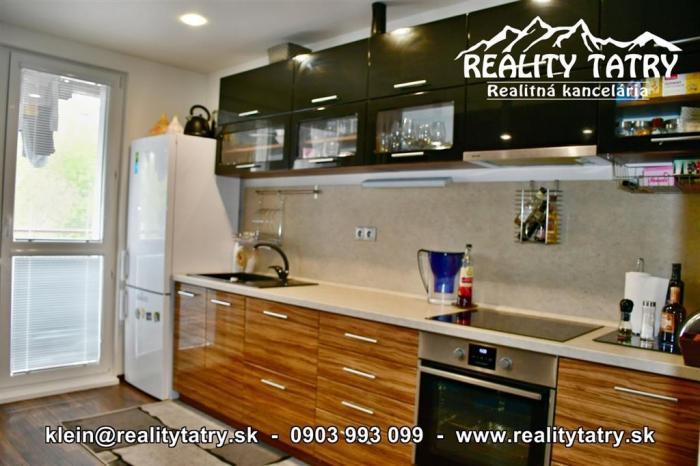 Reality Slnečný 3 izbový byt s balkónom 71 m2 v Poprade - Kompletná rekonštrukcia - TOP STAV - ODPORÚ