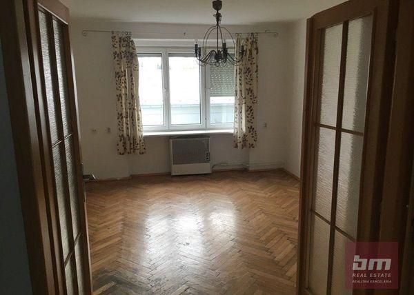 Reality Prenájom 2 - izb. bytu v Krasňanoch na Hubeného ul.