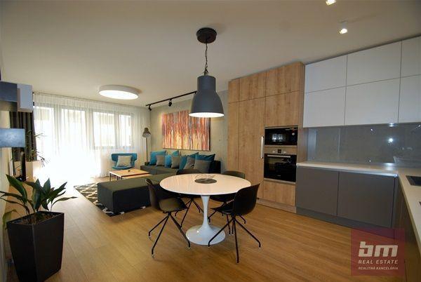 Reality Prenájom 3 - izb. bytu s parkovacím miestom v novostavbe Blumentál