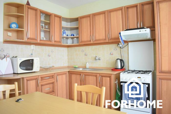 Reality Ponúkame na prenájom 2 izbový byt za super cenu v meste Nitra.