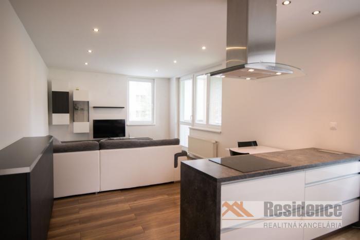 Reality Zariadený 2 izbový byt na predaj, Nábrežie - Liptovský Mikuláš
