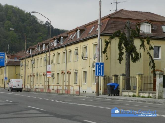 Reality NA PREDAJ, 1 izbový byt Trenčín, Gen. M. R. Štefánika, Trenčín