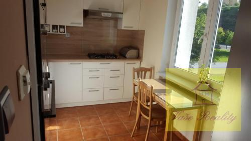 Reality 2-izb. byt, 53 m2, tehla, 3.p/4, KE-Juh Bulharská