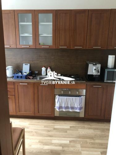 Reality Na predaj 2 - izbový tehlový byt ul. Bačíkova Staré mesto