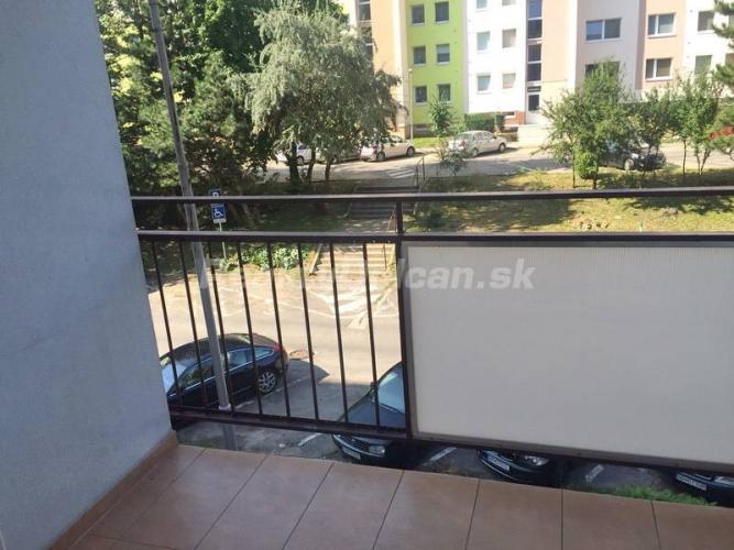 Reality NA PREDAJ veľký 3 izbový byt s výhľadom na mesto, Nitra, Klokočina