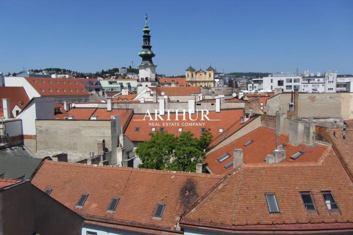 Reality ARTHUR - Mezonet, 4 izby, priestranný, slnečný - BA Staré mesto - Františkánske nám.