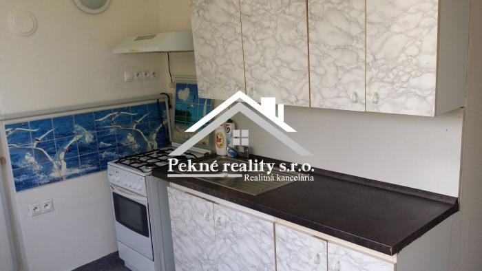 Reality Predaj 2 izbového bytu s balkónom, garážou a záhradkou vo Zvolenskej Slatine