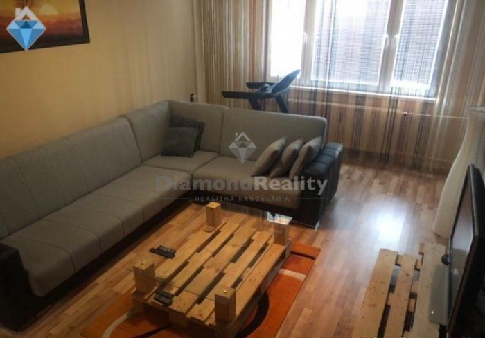 Reality Na predaj 4-izbový byt, Bukureštská, Ťahanovce, Košice I