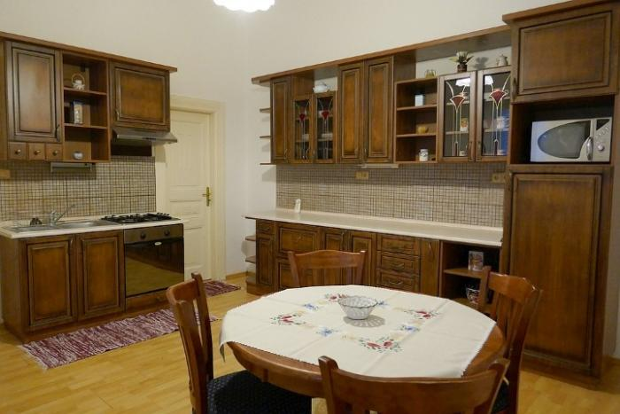 Reality 3-izbový byt byt, Bratislava, Staré Mesto, Sládkovičova