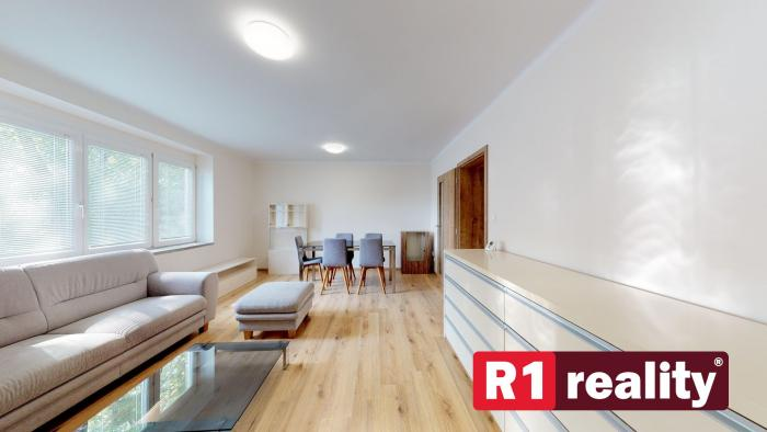 Reality Priestranný 3 izbový byt,76 m2, kompletná rekonštrukcia, Piešťany Vajanského ul.