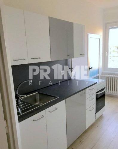 Reality Rekonštruovaný 2,5i byt, loggia, Mesačná ul., Ružinov